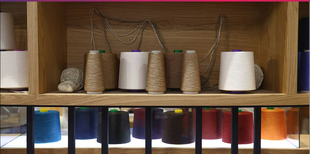 Popular yarn exhibition area